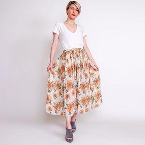 Vintage 90s daisy print semi sheer pleated skirt